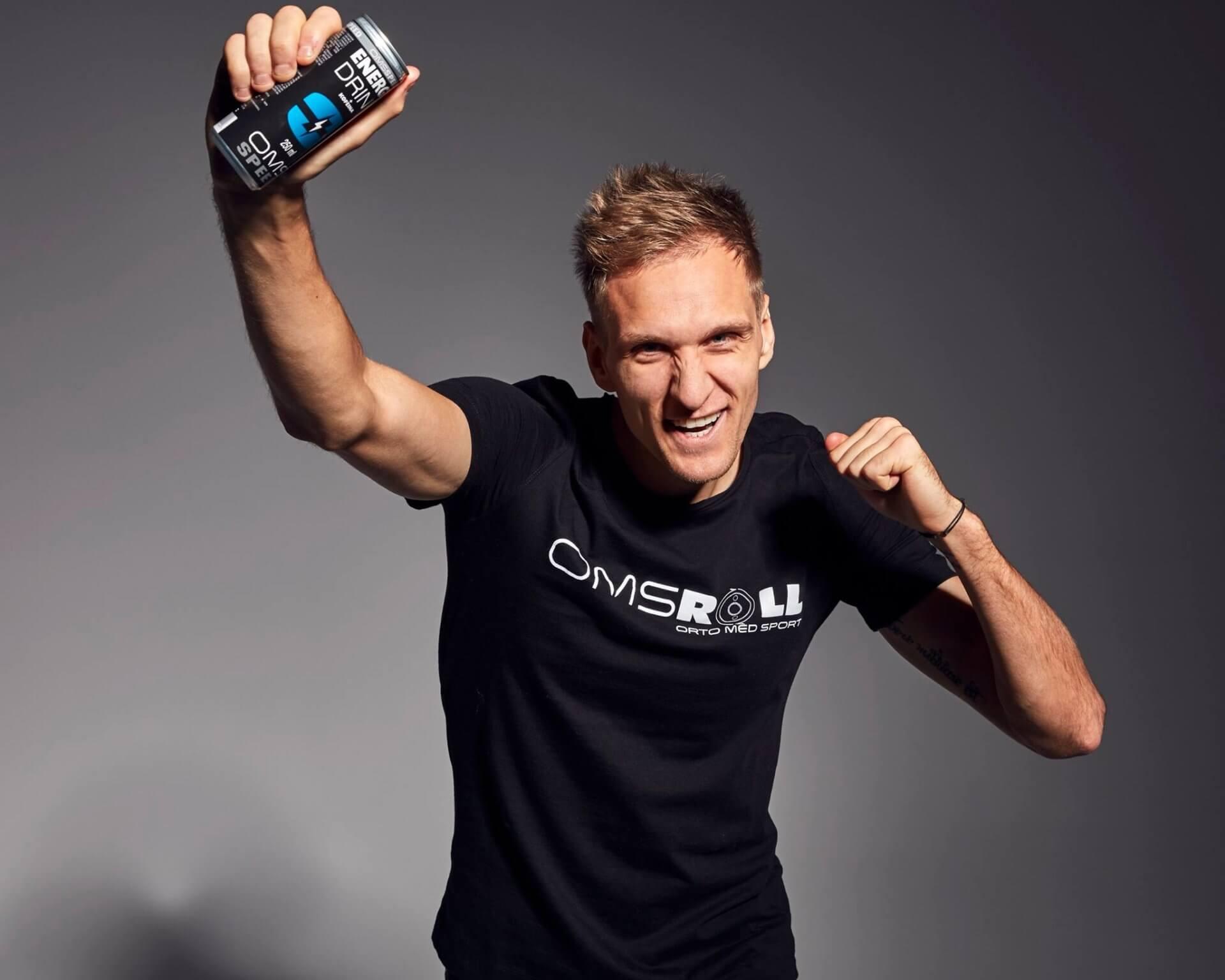 Łukasz Teodorczyk reklamuje OMS Mineral Water & Energy Drink